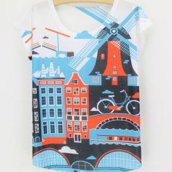 Tricou dame cu imprimeu colorat peisaj urban cu moara