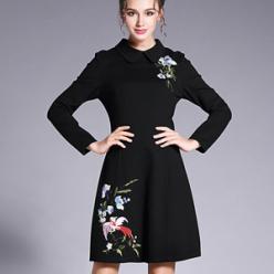 Rochie de primavara neagra cu broderie colorata