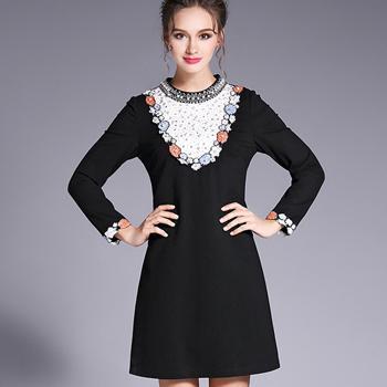 Rochie neagra cu decoratii elegante margele si broderie