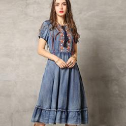 Rochie midi cu broderie florala colorata snururi