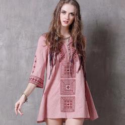 Rochie tunica din tesatura texturata cu broderie decorativa motive etnice