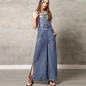 Rochie-pantalon jeans cu broderie colorata si bretele