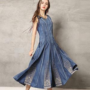 Rochie denim camis A-line cu broderie decorativa model etnic