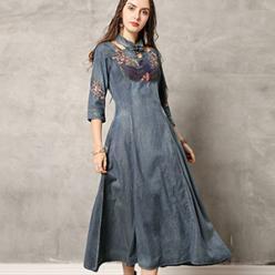 Rochie denim-jeans cu guler design deosebit si broderie florala
